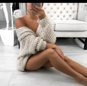 Ekattire sweater
